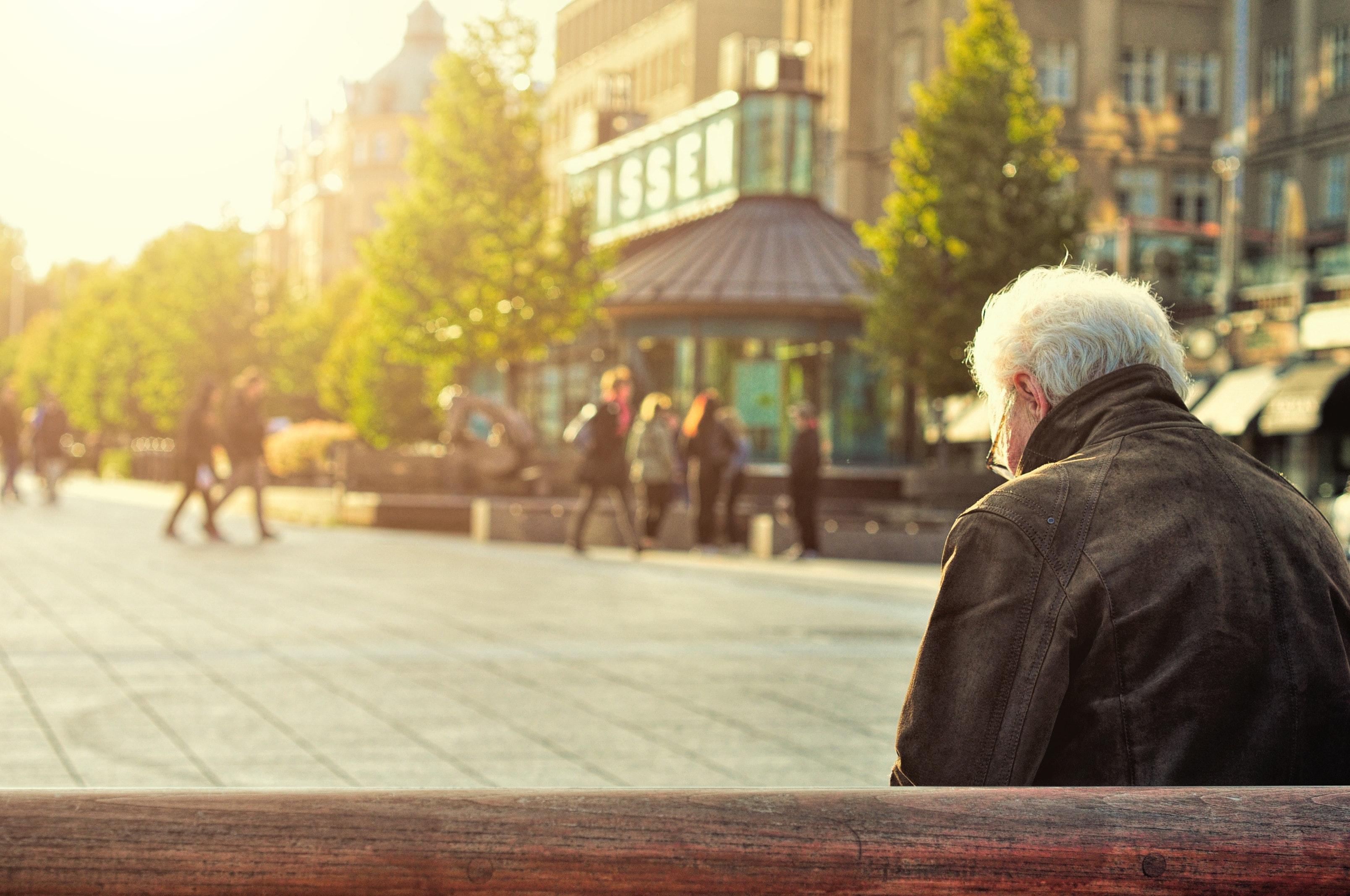 Osiągnięcie wieku emerytalnego a dalsze zatrudnienie - zdjęcie